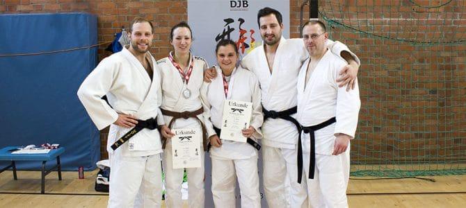 4 Dan-Aspiranten bei Kata-Meisterschaft