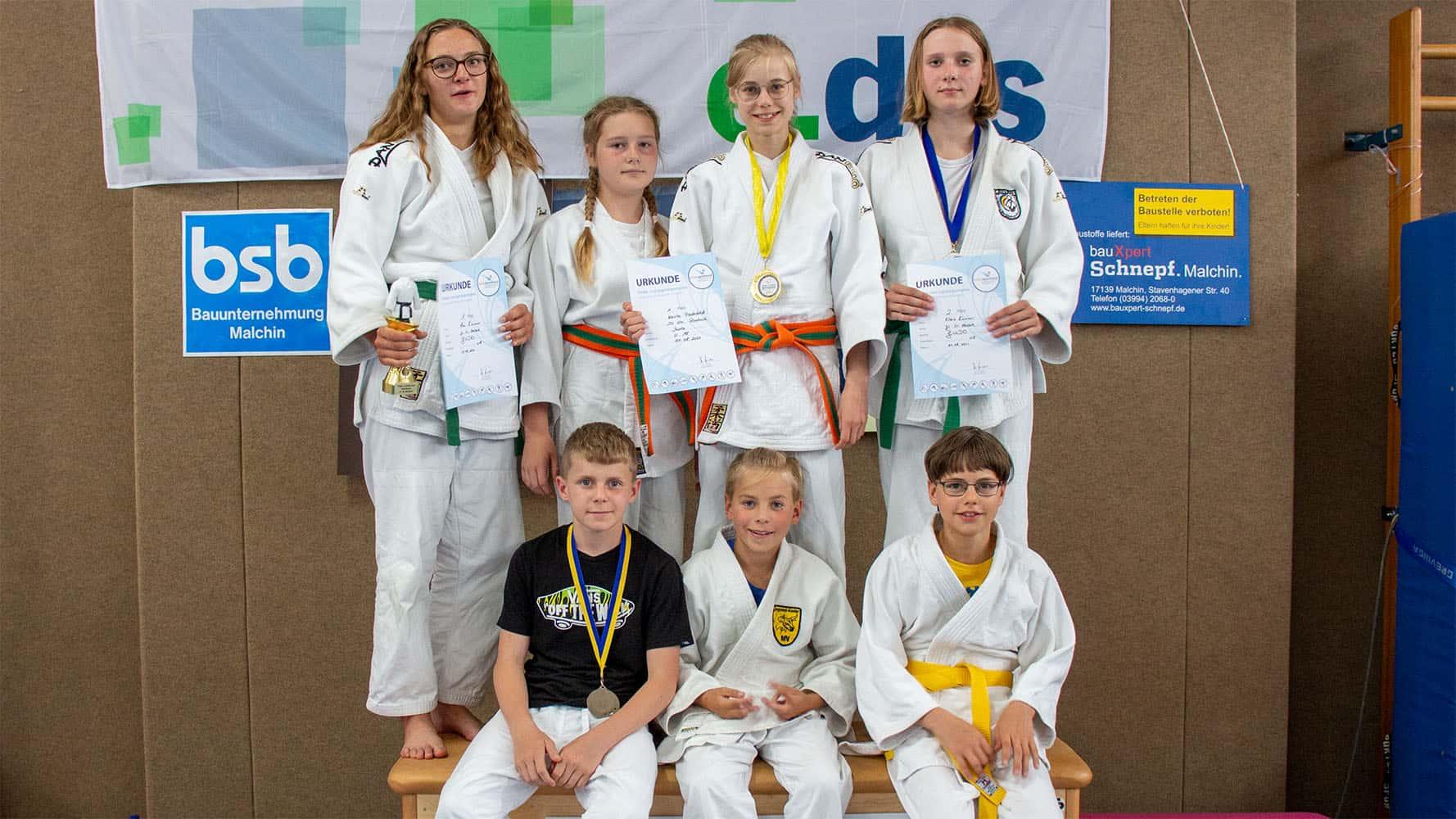 Erfolgreicher Auftakt beim Wettkampf - Judo Rostock