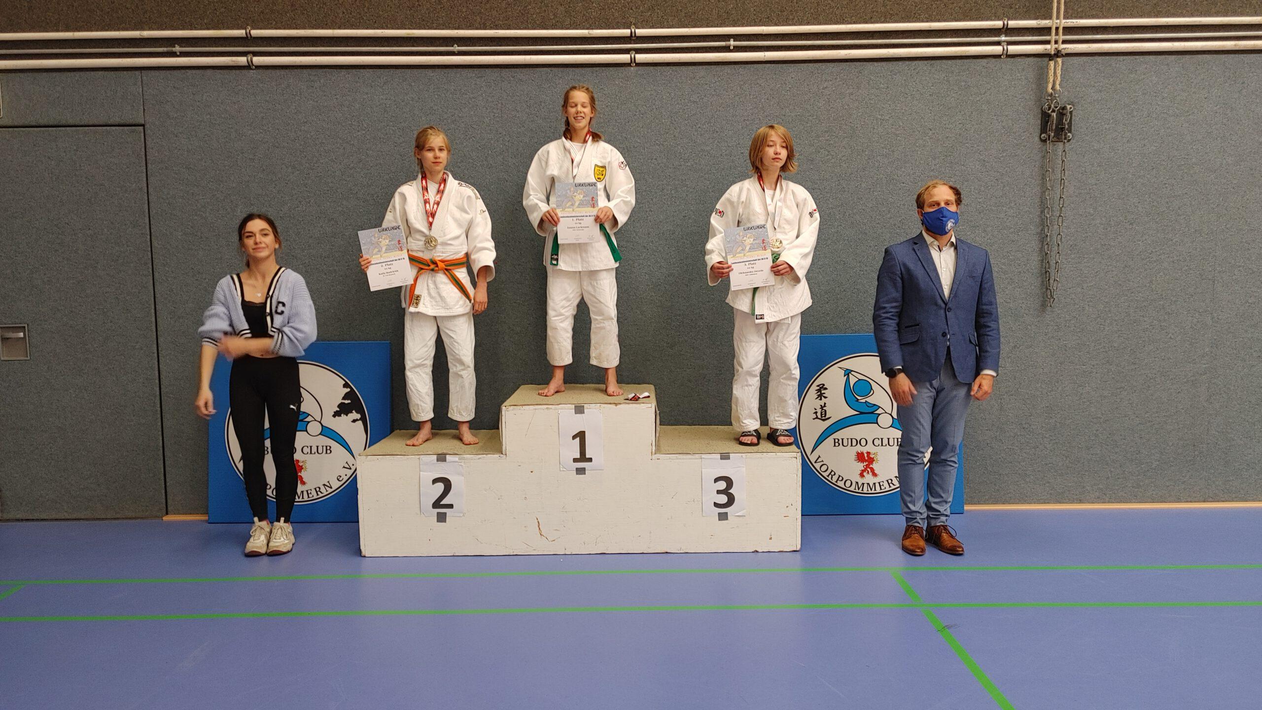 LEM U15 Greifswald 2021 Siegerehrung 1 Karla - Judo Rostock