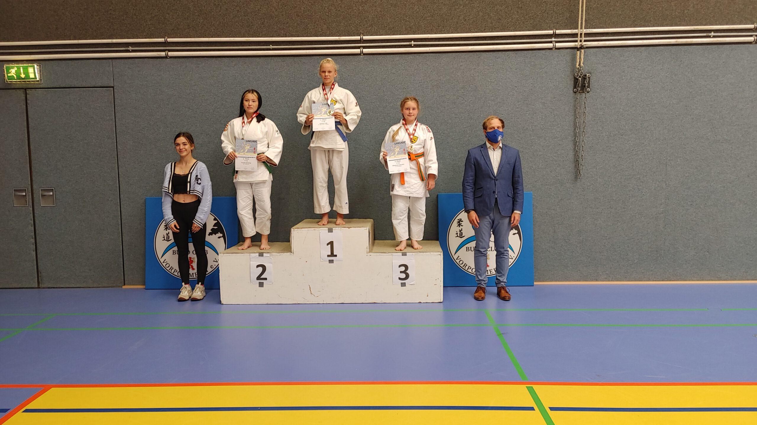 LEM U15 Greifswald 2021 Siegerehrung 2 Elli - Judo Rostock